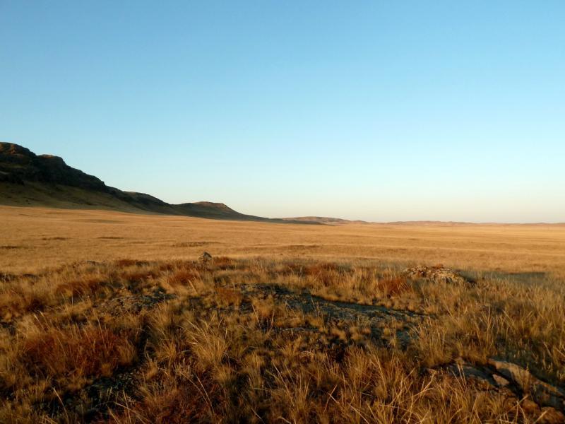 20150918. У горы Коныртас, в предгорьях Баянского массива.