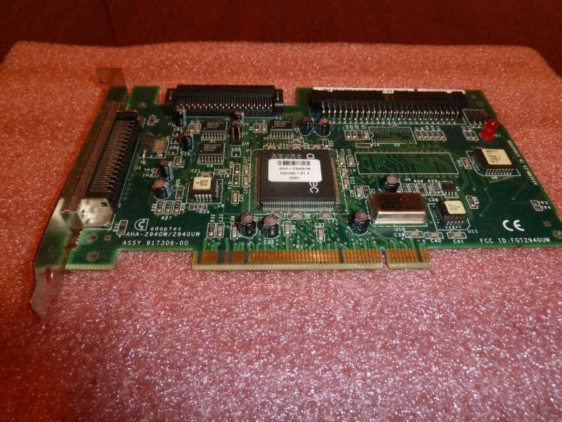 Adaptec AHA-2940W/2940UW: общий вид со стороны PCI-разъёма.