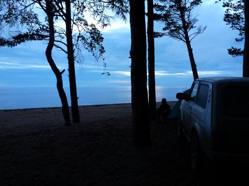 20180625. Вид на место ночной стоянки у озера Байкал.