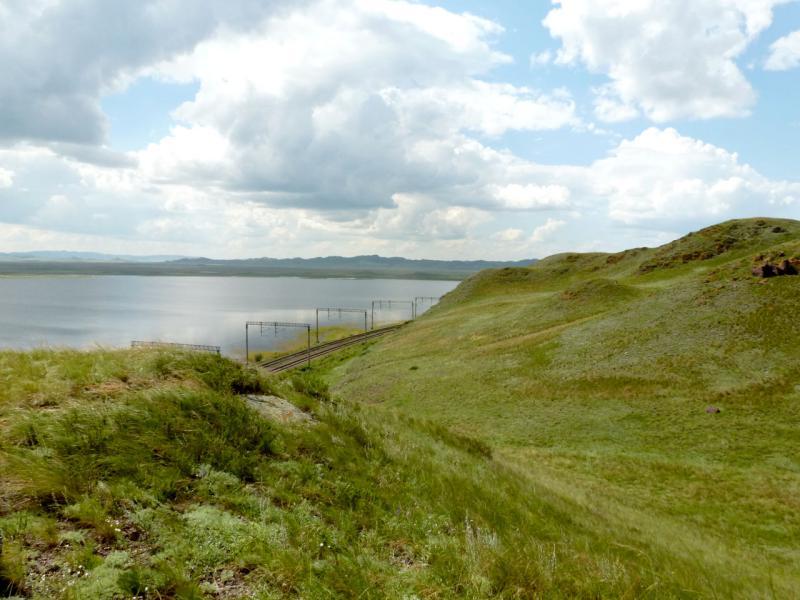 20160806. Вид на северо-западный берег озера Майколь.