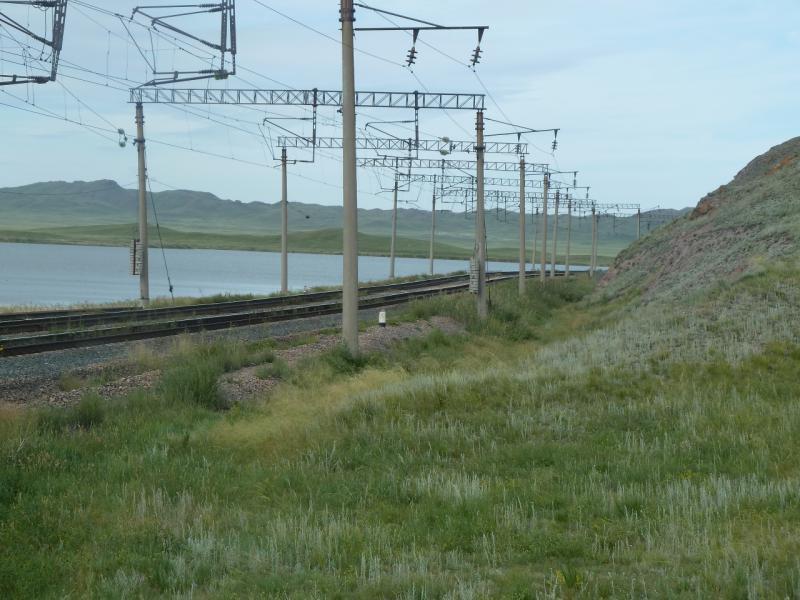 20110808. Павлодар-Астана. Тут ходят только поезда.