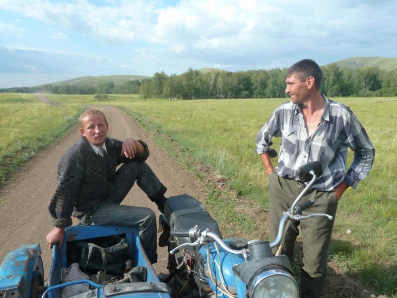 20110810. Павлодар-Астана. Местные, из села Новокаменка.