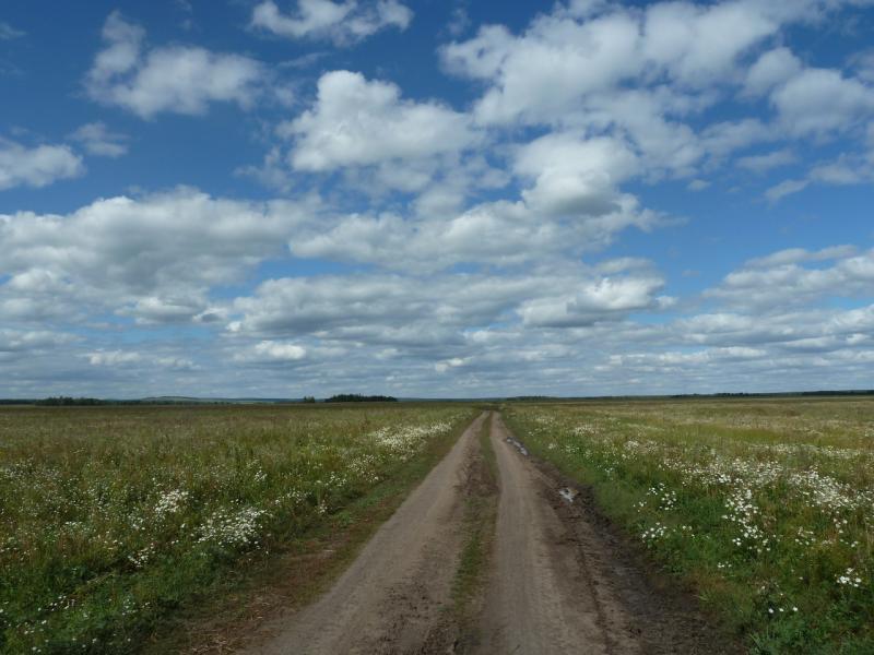 20110818. Астана-Боровое. Дорога на Уюмшил, с ветерком по утрамбованному глинозёму.