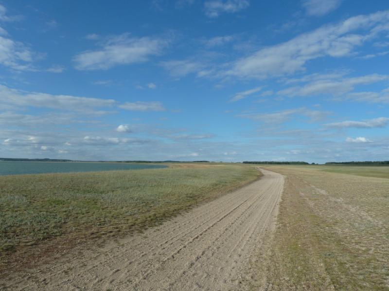 20110818. Астана-Боровое. Гребёнка вдоль озера Жукей.