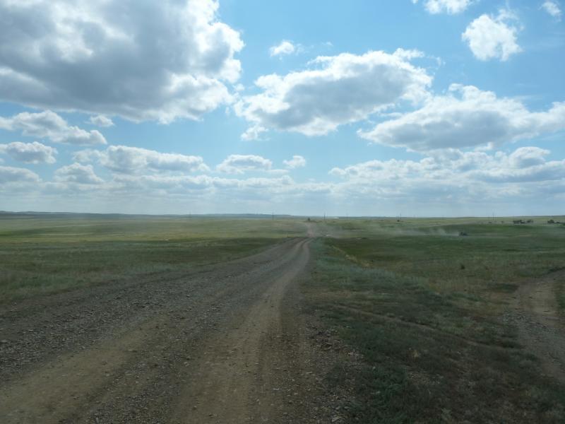 20110822. Боровое-Павлодар. Грейдер мимо солёного озера Котырколь.