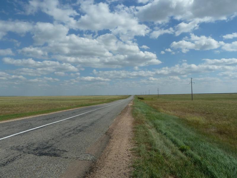 20110822. Боровое-Павлодар. Пологими холмами до посёлка Мамай.