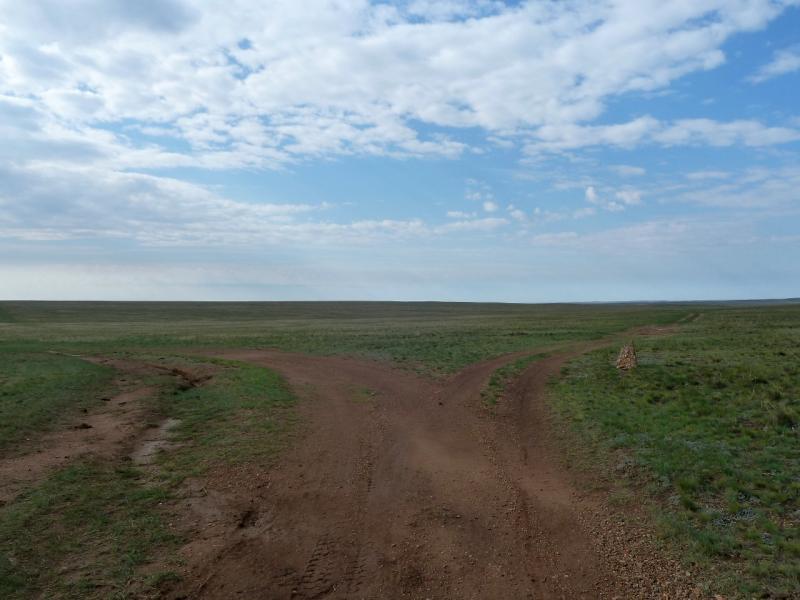 20120505. Щидерты-канал: дорогами у канала Иртыш-Караганда.