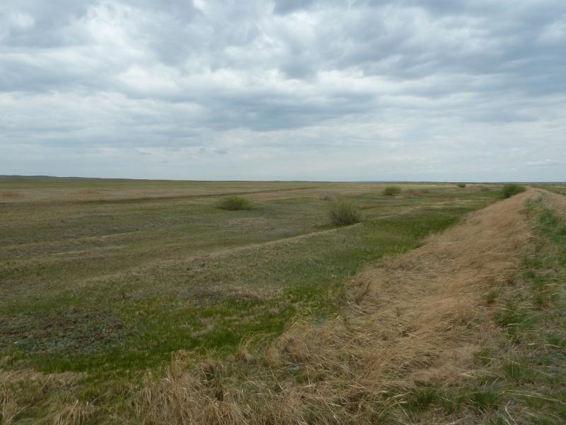 20120505. Щидерты-канал: плотина у канала Иртыш-Караганда.