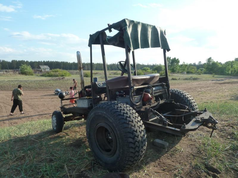 20120515. Шалдайскими борами: самодельный трактор в селе Садыгащы.