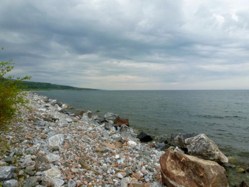 20180624. На юго-восточном берегу озера Байкал, ранним утром.