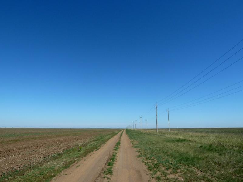 20120517. Степями и полями: полевая дорога Аникино-Сосновка.