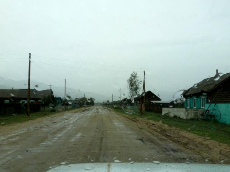 20180625. В селе Улунхан, самом крайнем на севере долины реки Баргузин, протекающей между между Икатским и Баргузинским горными хребтами.