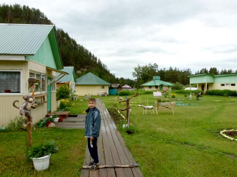 "20180625. База отдыха ""Умхей"", на острове посреди реки Баргузин."