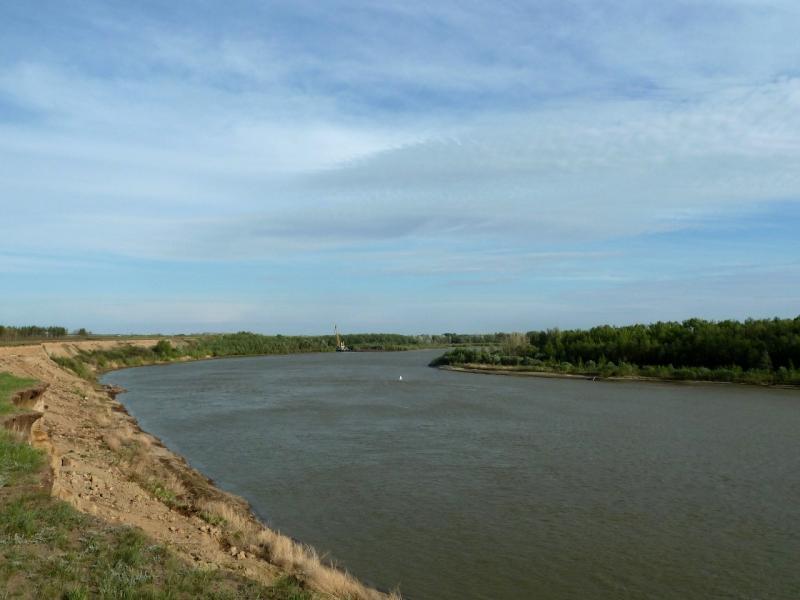 20120524. На юг, вдоль Иртыша: вид в сторону Железинки, неподалеку от села Башмачное.