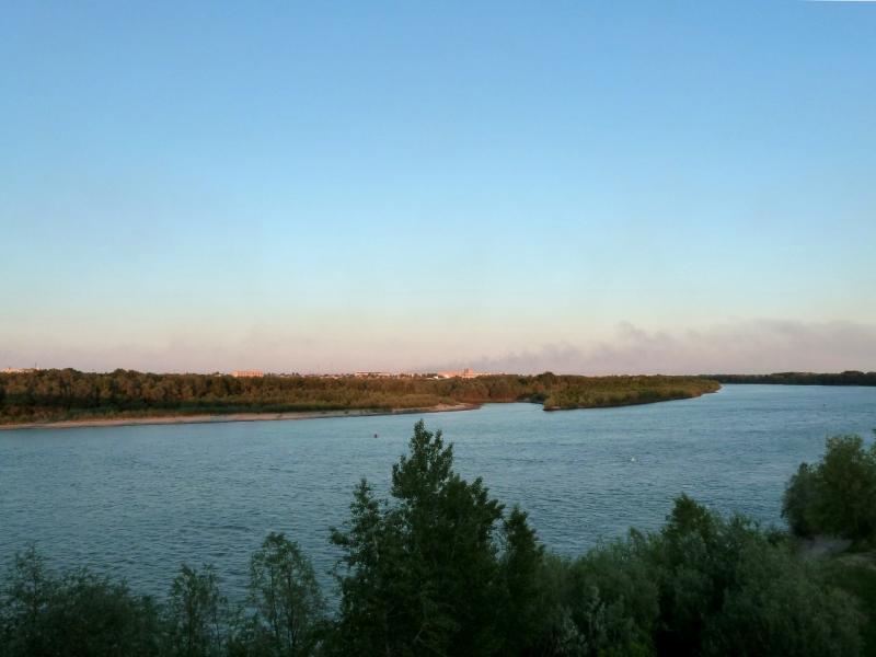 20120525. Домой, в Павлодар: вид на реку Иртыш с автомобильного моста.