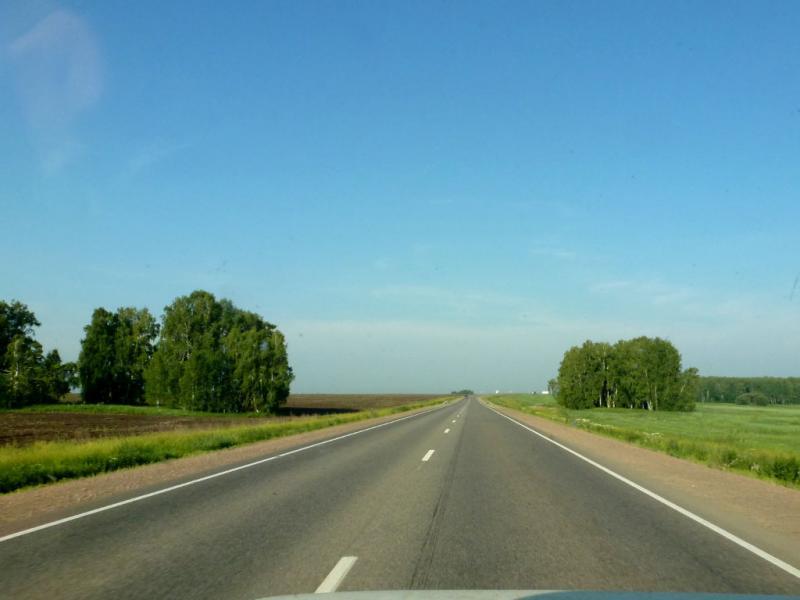 20180628. За полторы сотни километров до Красноярска, в распаханных равнинах под Бородино.