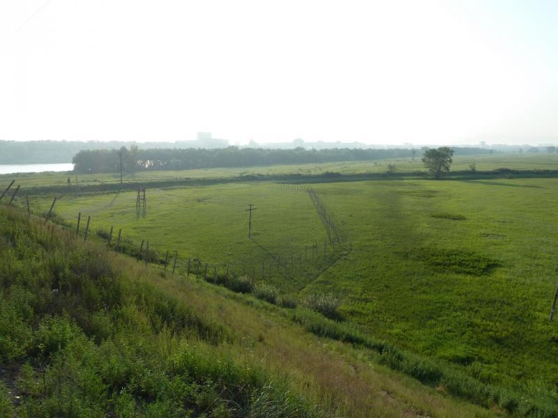 20120715. Павлодар-Аксу: вид с насыпи железнодорожного полотна у реки Иртыш.