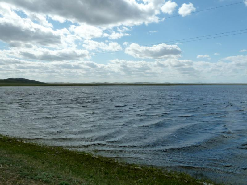 20130427. Огромная лужа талой воды неподалеку от села Коянды.