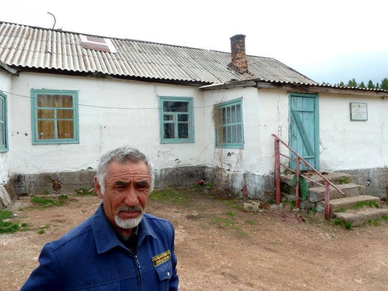 20130429. Сотрудник лесной охраны Каркаралинского заповедника.