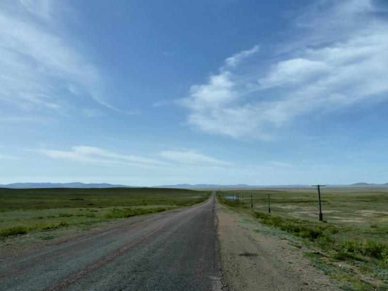 20130502. Дорога на Нуркент, вид от горы Мырзашокы.