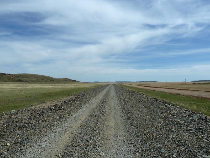 20130502. Ремонтируемый участок дороги от села Нуркент в Айбыз.