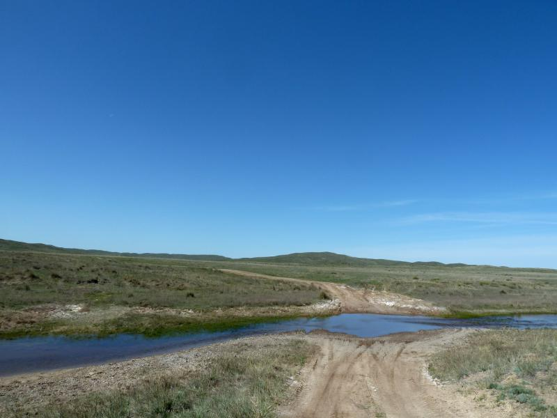 20130503. Брод в горах Ельшик и Акшокы.