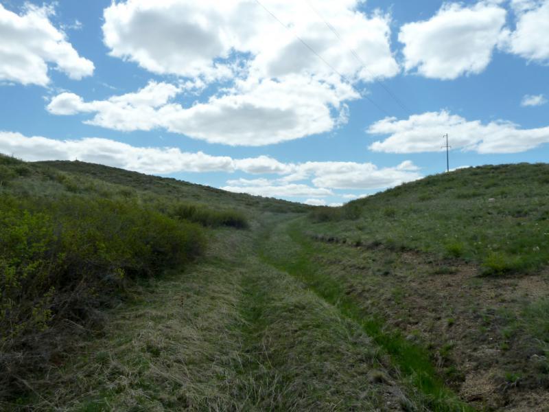 20130504. Дорога на Шылым, между гор Аюлыозек и Аксоран.