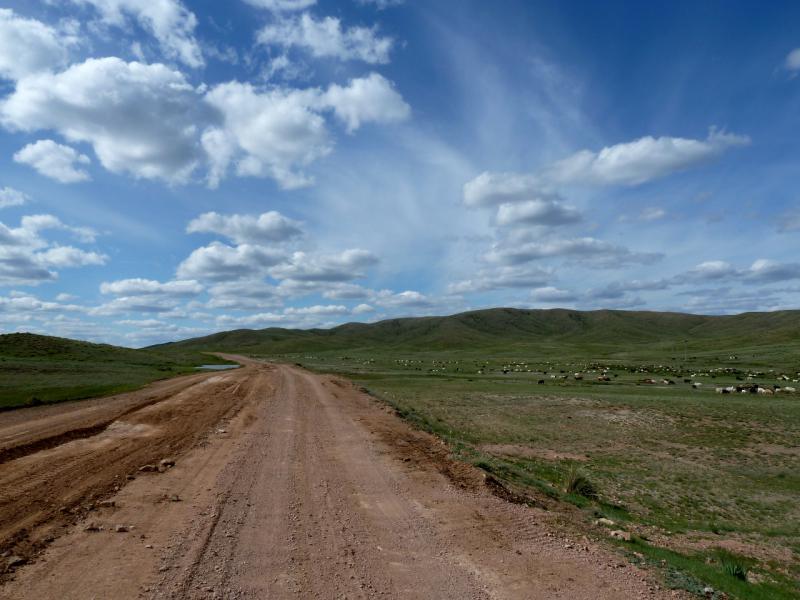 20130504. Грейдерная дорога из села Шылым в Актогай (Карагандинская область).