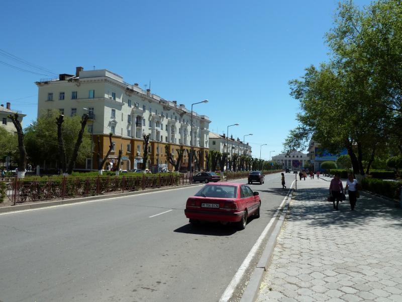 20130507. На улице Уалиханова в городе Балхаш.