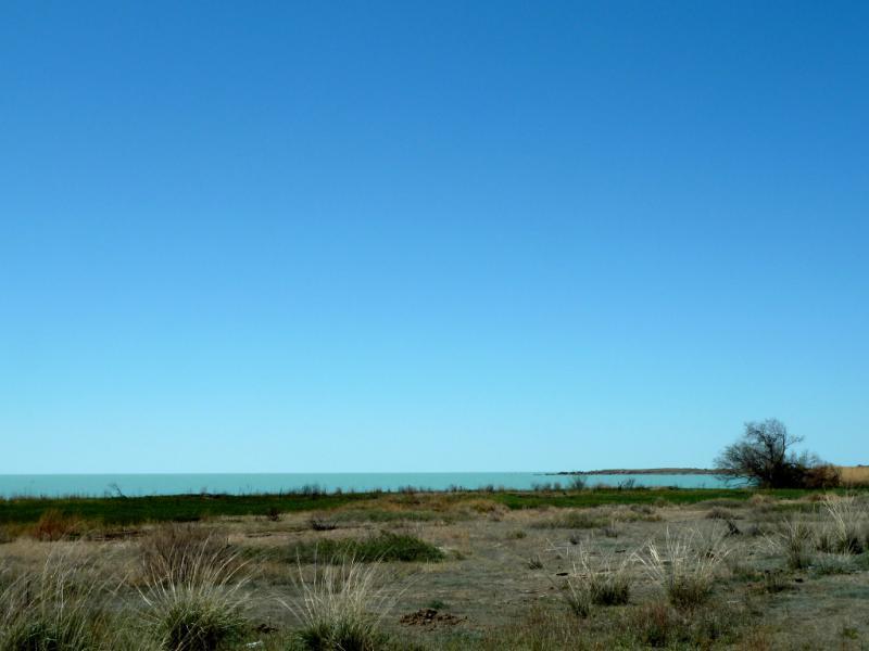 20130508. Вид на озеро Балхаш.