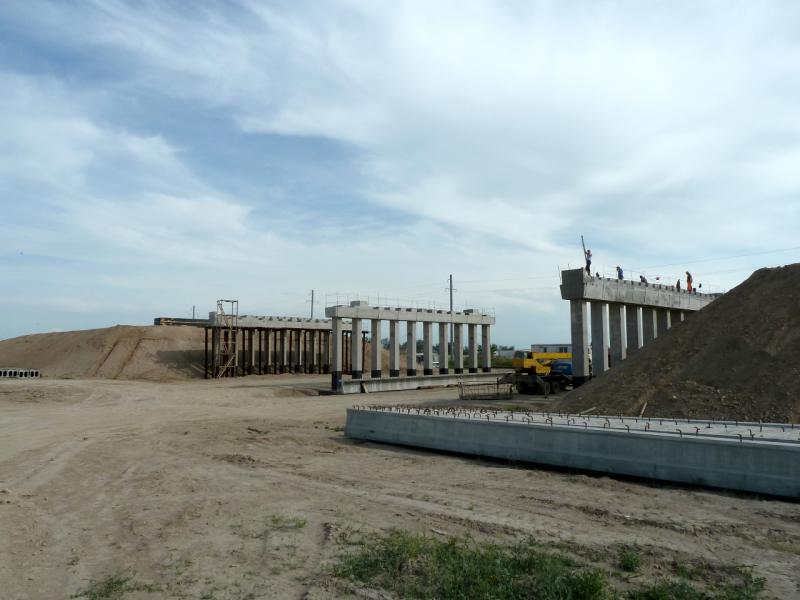 20130512. Строящаяся развязка на слиянии дорог А-358 и A-2.