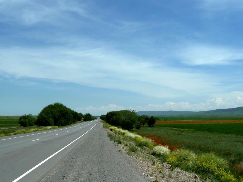 20130516. Трасса A-2 в районе села Актерек.