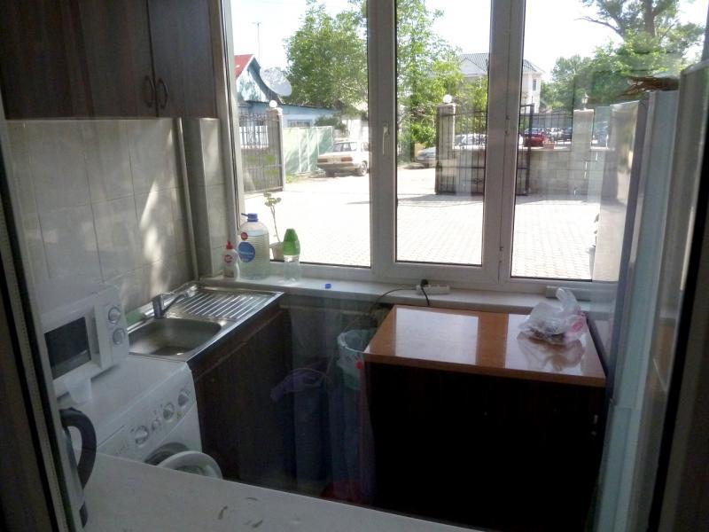 20130518. Вид из номера гостиницы в селе Есик.