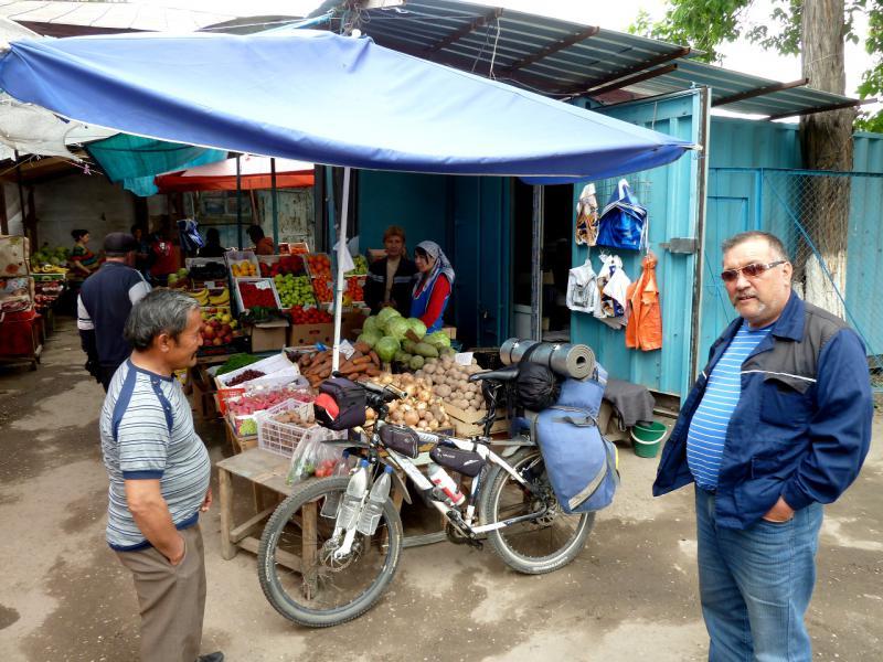 20130519. На рынке посёлка Тургень.