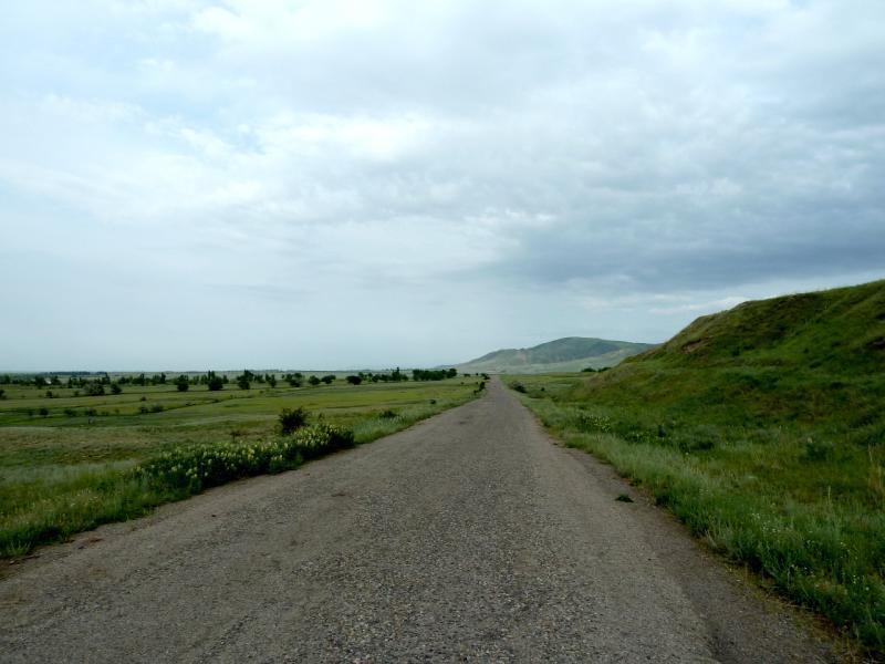 20130519. Дорога вдоль БАК.