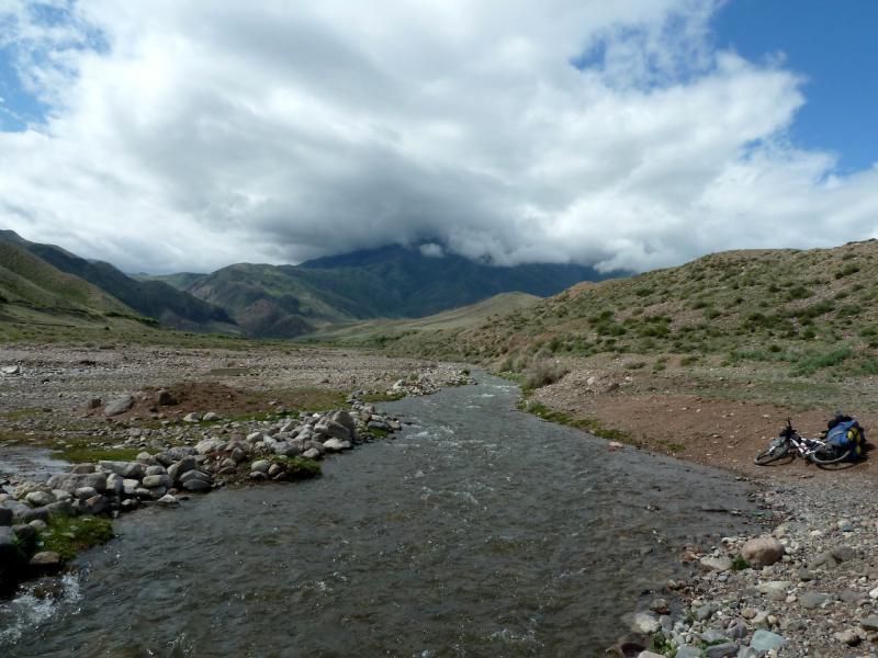20130520. Речка Асы (приток реки Чилик), в предгорьях Саускан.