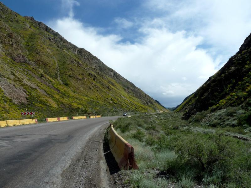 20130520. На перевале в горах Согетай.