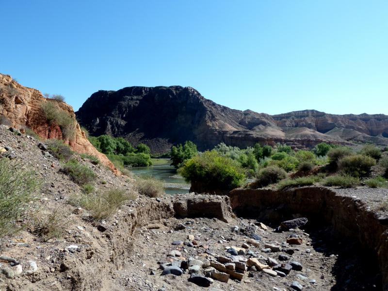 20130522. На размытом участке тропы в урочище Куртогай.