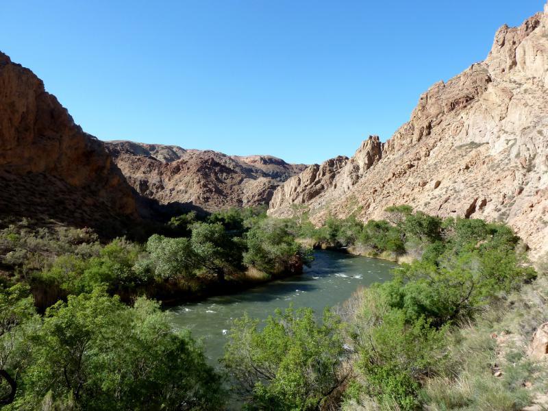 20130522. Вид на реку Чарын в районе каньона Бартогай.