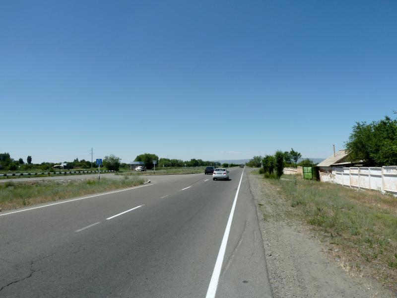 20130528. На дороге P-125, между Карабулаком и Талдыкорганом.