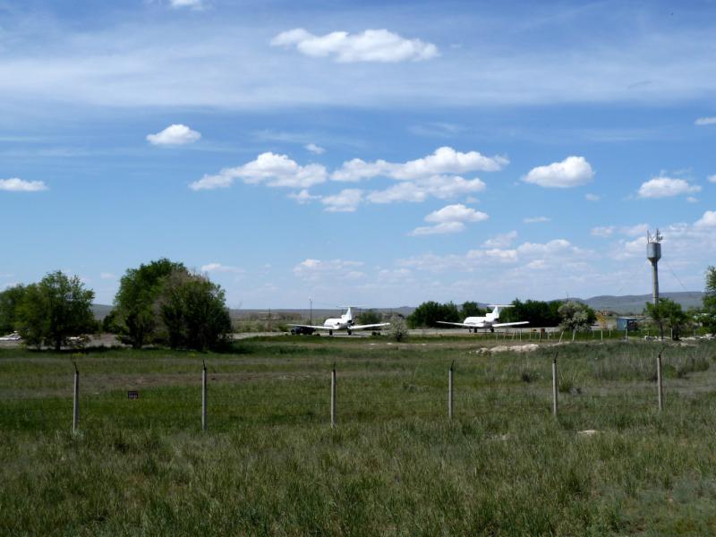 20130529. Вид на самолёты гражданского аэропорта Талдыкоргана.