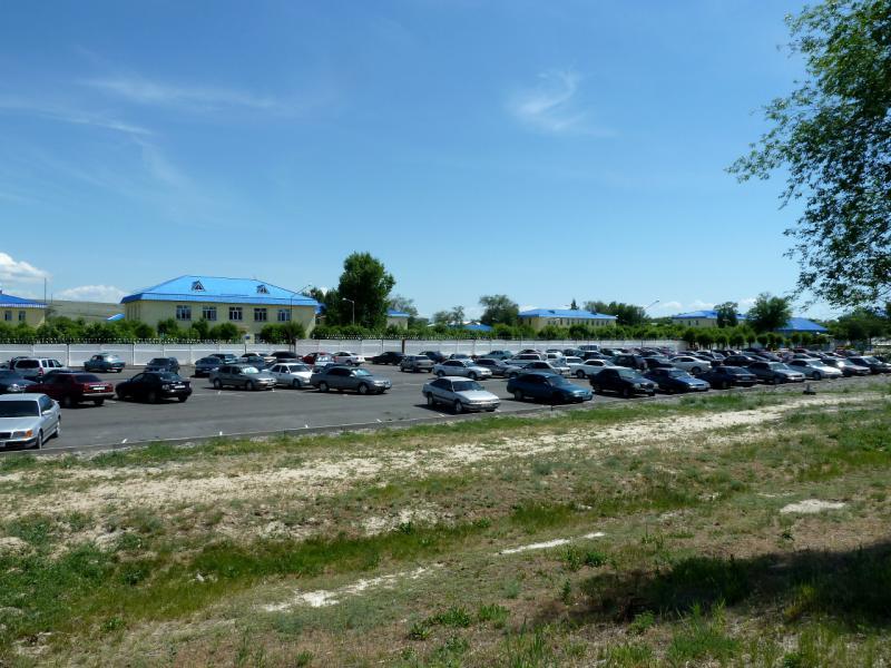 20130529. Вид на стоянку при группе зданий ВВС, в двадцати километрах от Талдыкоргана.