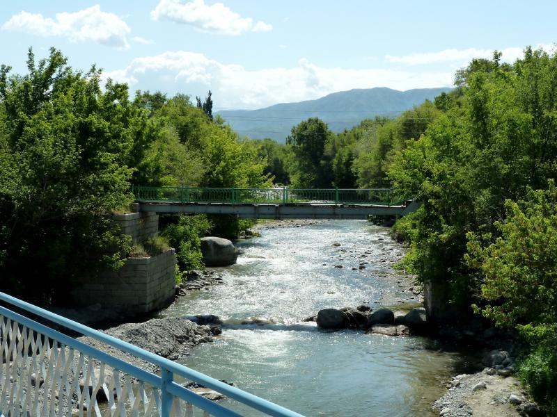 20130530. Вид с моста на речку Сарканд.