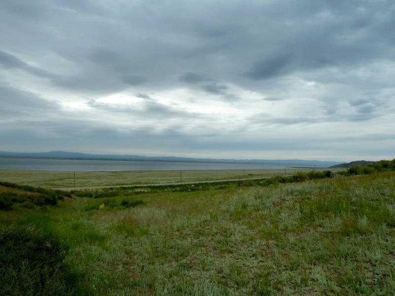 20130602. Спуск к дороге вдоль правого берега Бухтарминского водохранилища.