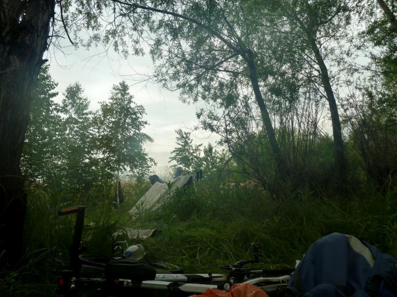 "20130603. Утренний вид из ""двери"" палатки на место стоянки у речки Кисык."