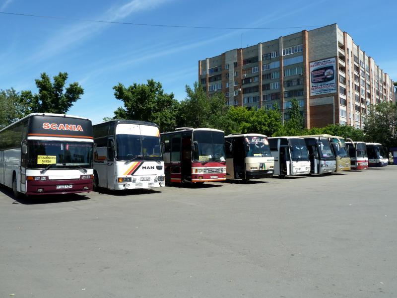 20130608. На стоянке усть-каменогорского автобусного вокзала.