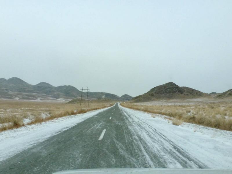 20191115. На подъездах к перевалу через хребет Кызыл Тайга, между реками Алаш и Ак-Суг.