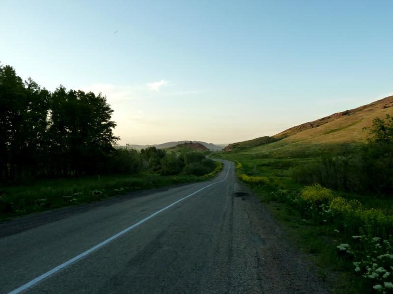 20130609. На участке дороги P-151 между селом Рассыпное и Шемонаихой.