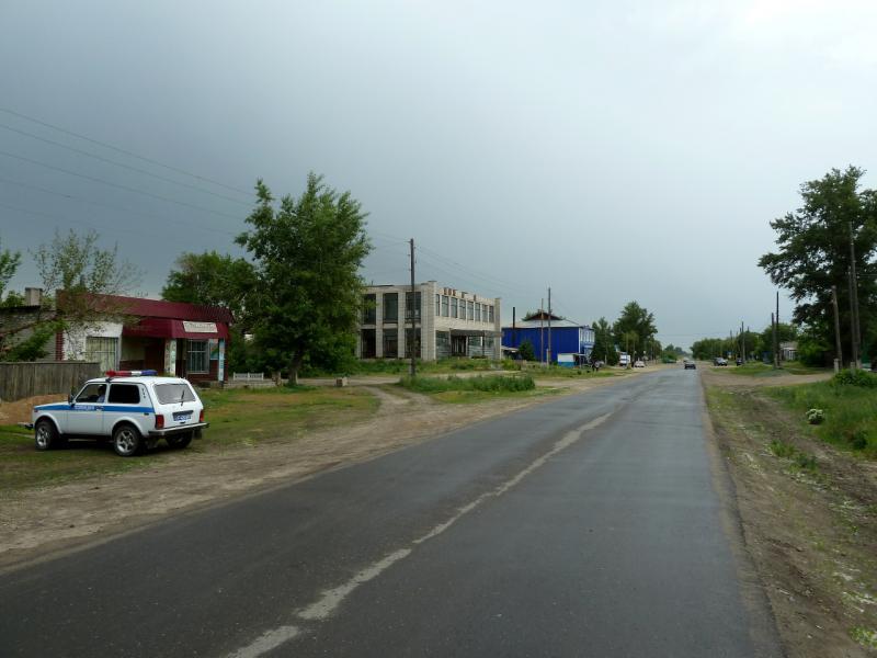 20130610. На главной улице в селе Новая Шульба.