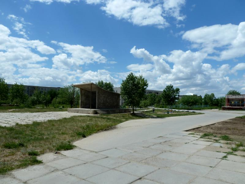 20130611. В центральном парке Шульбинска, у сцены для выступления самодеятельности.
